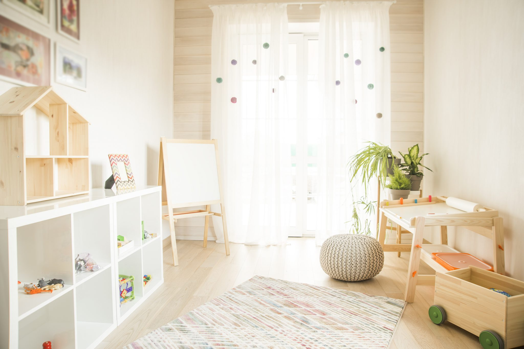 Minimalist Classroom Games ~ Ways to practice montessori minimalist living this
